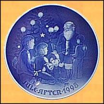 Santa The Storyteller Collector Plate by Jørgen Nielsen
