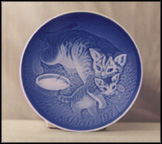Cat And Kitten Collector Plate by Henry Thelander