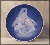 Bear And Cubs Collector Plate by Henry Thelander