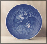 Lioness And Cubs Collector Plate by Henry Thelander
