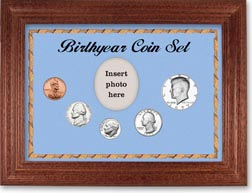 1977 Birth Year Coin Gift Set with a blue background and cherry frame THUMBNAIL