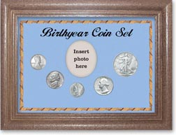 1943 Birth Year Coin Gift Set with a blue background and dark oak frame THUMBNAIL