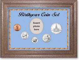 1975 Birth Year Coin Gift Set with a blue background and dark oak frame THUMBNAIL