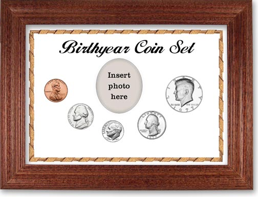 1977 Birth Year Coin Gift Set with a white background and cherry frame LARGE