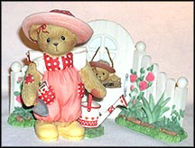 Eloise And Her Garden Gate, Cherished Teddies Figurine #CT023