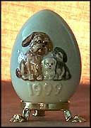 1999 Dog With Puppies, Goebel Annual Easter Egg MAIN
