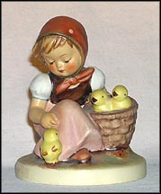 Chick Girl, M. I. Hummel Figurine MAIN
