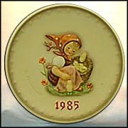 1985 Chick Girl, M. I. Hummel Annual Plate