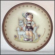 Little Goat Herder, M. I. Hummel Mini Annual Plate
