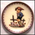 Farm Boy, M. I. Hummel Mini Annual Plate