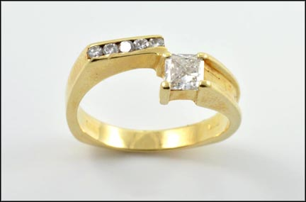 Princess Cut Diamond Ring in 14K Yellow Gold