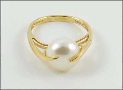 Freshwater Pearl Ring in 14K Yellow Gold LARGE