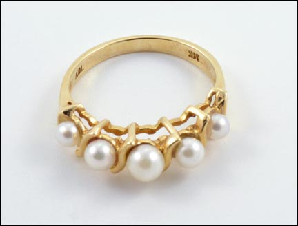 Pearl Ring Multi Pearls in 14K Yellow Gold