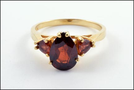 Garnet Ring in 14K Yellow Gold