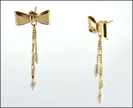 Bow Earrings with Freshwater Pearls in 14K Yellow Gold