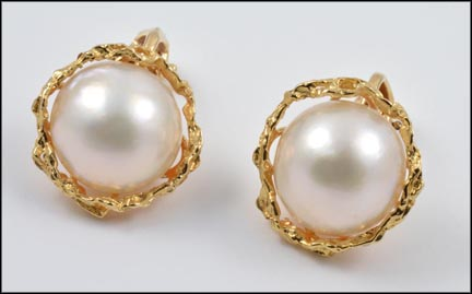 Mabe' Pearl Clip Earrings in 14K Yellow Gold