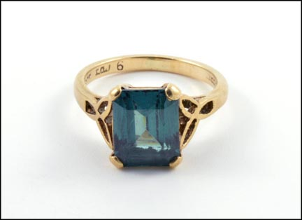 Synthetic Square Blue and Green Stone Ring in 9K Yellow Gold