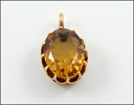 Citrine Pendant in Yellow Gold