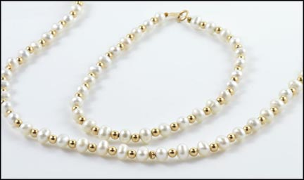 "Freshwater Pearl and Gold Bead 18"" Necklace and 8"" Bracelet in 14K Yellow Gold_LARGE"