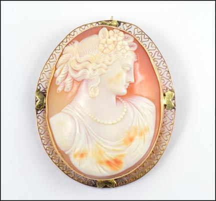 Shell Cameo with Filigree Edge Brooch or Pendant in Yellow Gold_LARGE