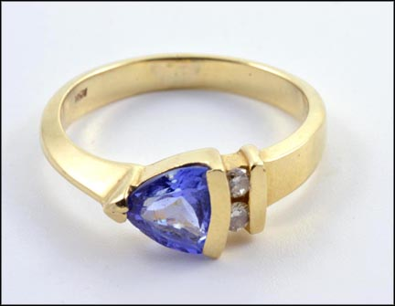 Tanzanite and Diamond Accents Ring in 14K Yellow Gold_LARGE