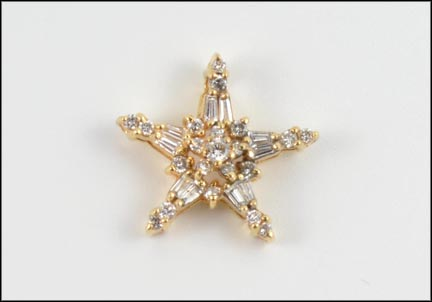 Diamond Star Pendant in 14K Yellow Gold