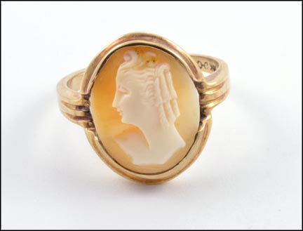 Cameo Ring 16x12 Mm in 14K Yellow Gold