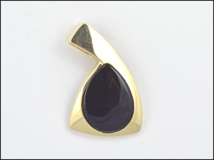 Large Onyx Pendant Enhancer in 14K Yellow Gold_LARGE