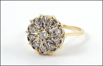 Round Brilliant Cut Cluster Ring in 14K Yellow Gold
