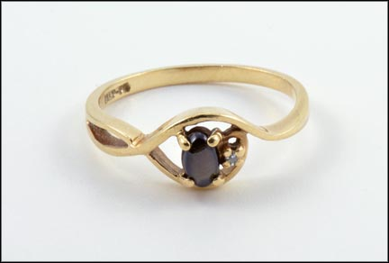 Black Star Sapphire Ring in 10K Yellow Gold LARGE