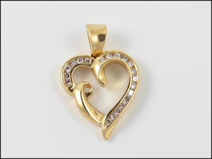 Round Brilliant Cut Heart Pendant in 10K Yellow Gold