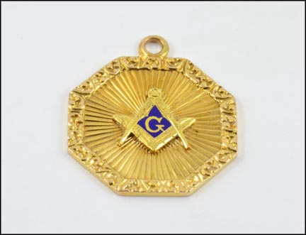 Masonic Pendant in Yellow Gold