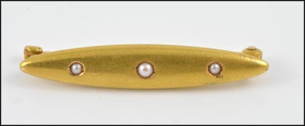 Pearl Bar Brooch in 10K Yellow Gold