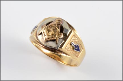 Men's Masonic Ring in 10K Yellow Gold