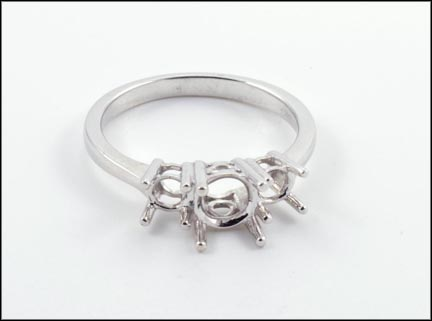 Three Stone Mounting Ring in 14K White Gold