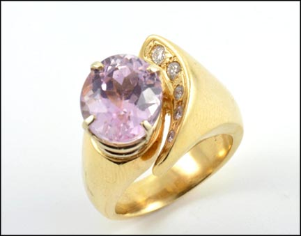 Large Oval Kunzite Ring in 14K Yellow Gold