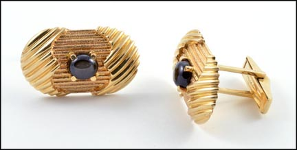 Black Star Sapphire Cufflinks in 14K Yellow Gold LARGE