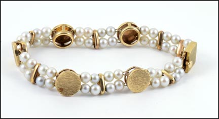 Double Strand Pearl and Gold Station Bracelet in 14K Yellow Gold_LARGE