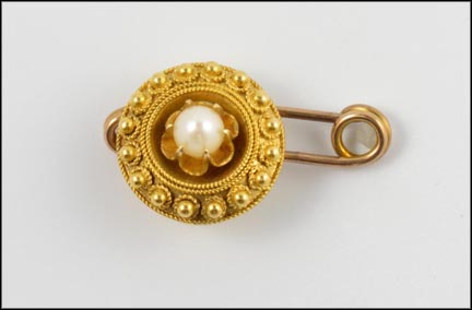 1885-95 Pearl Pin in Yellow Gold_LARGE