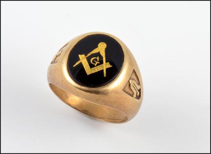 Men's Onyx Masonic Ring in 10K Yellow Gold