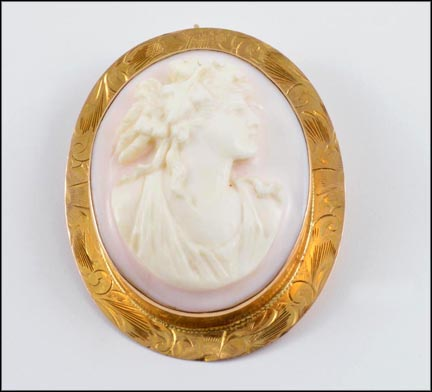 1920-30's Cameo Pendant or Brooch in 10K Yellow Gold