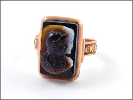1880-90 Carved Onyx Ring in Yellow Gold