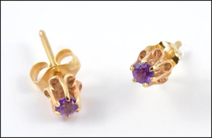Round Brilliant Cut Amethyst Earrings in Yellow Gold