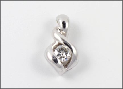Solitaire Pendant in White Gold