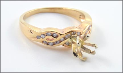Semi-Mount Ring in 14K Yellow Gold