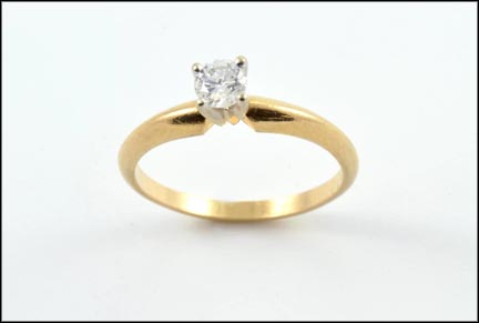 Round Brilliant Cut Tiffany Solitaire Ring in 14K Yellow Gold