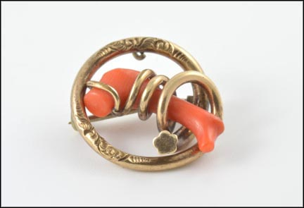 1885 Coral Brooch in Yellow Gold