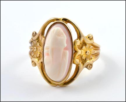 Cameo Ring in 10K Yellow Gold