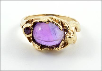Cabochon Amethyst and Ruby Ring in Yellow Gold LARGE