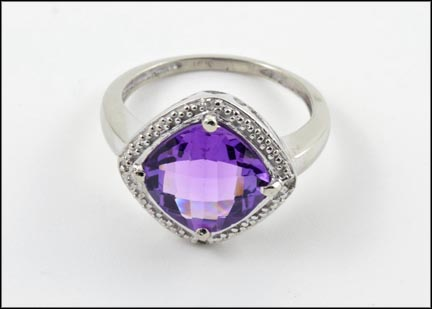 Square Amethyst Ring in 10K Yellow Gold